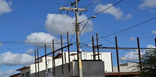 Fogos de artifício devem manter distância da rede elétrica, alerta Celpa