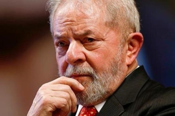 Orçamento da obra de Atibaia foi entregue a assessor de Lula