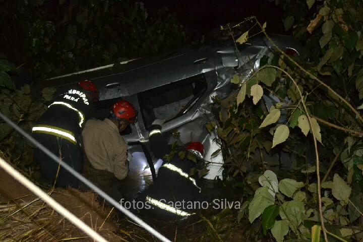 Grave acidente na Faruk Salmen mata uma pessoa e deixa outra ferida