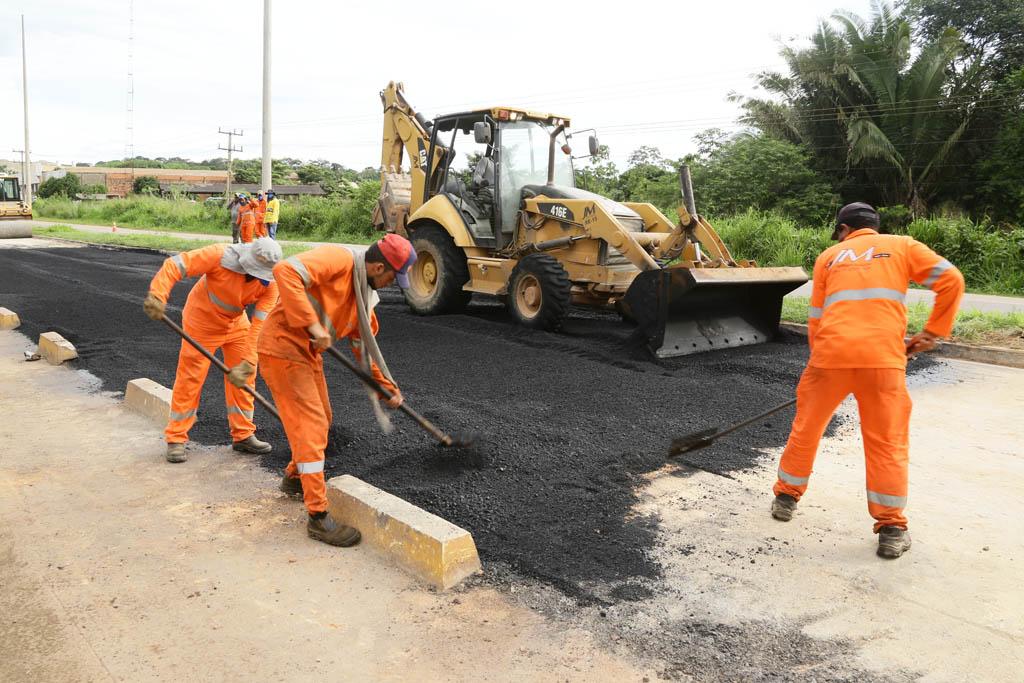 Prefeitura intensifica recuperação de vias na cidade