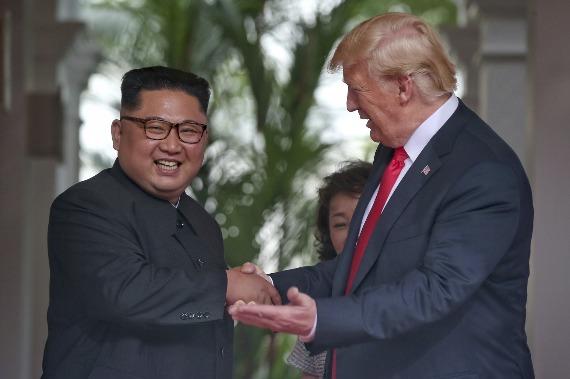 Kim Jong-un se compromete com desnuclearização completa