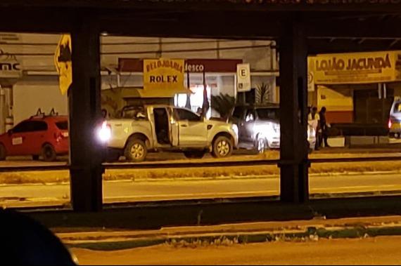 Bandidos arrombam banco de Jacundá, fazem PMs de reféns e roubam viatura