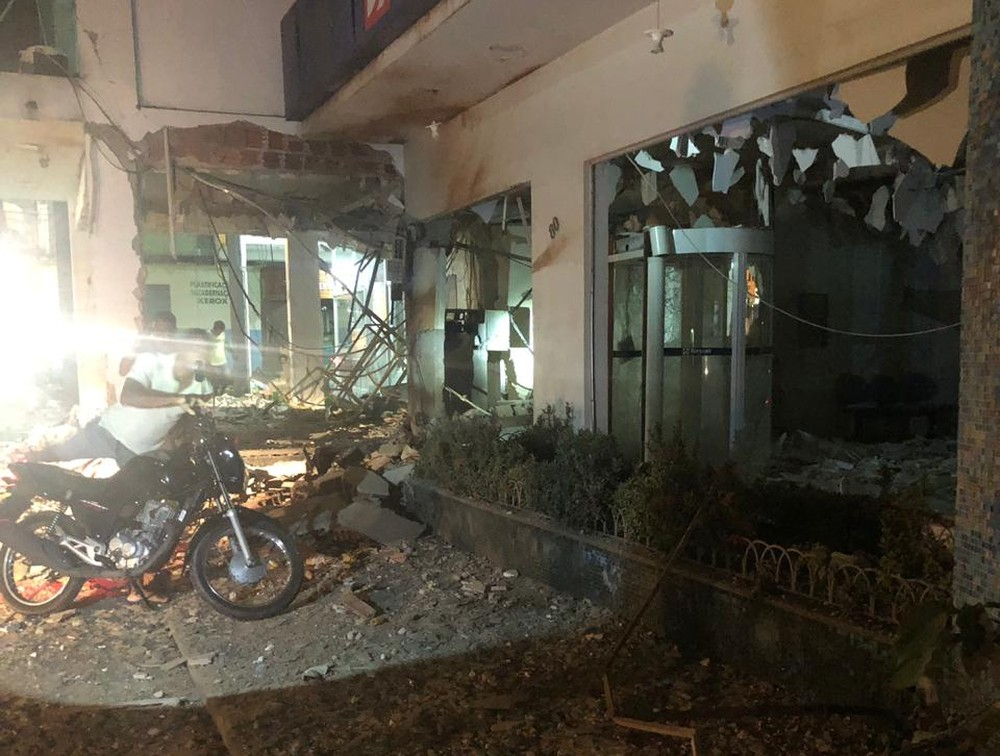 Terror em Rondon do Pará: Duas agências bancárias e um agência de crédito são explodidas por quadrilha