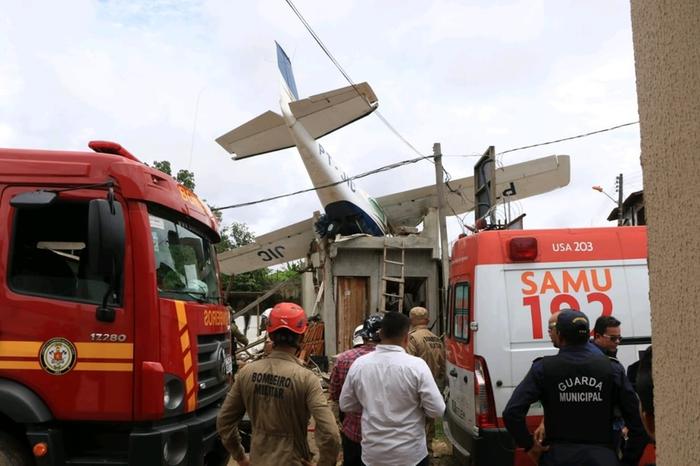 Piloto de avião que caiu em Belém já foi preso por furto de aeronaves