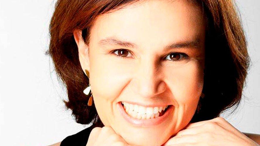 Humorista Cláudia Rodrigues não reconhece a própria filha e sequer anda