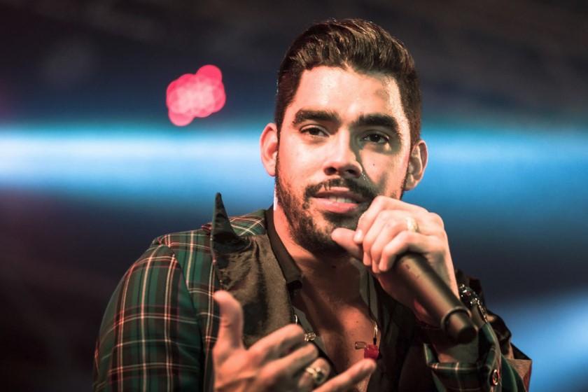 """Gabriel Diniz, cantor do hit """"Jenifer"""", e mais duas pessoas, morrem em acidente com avião"""