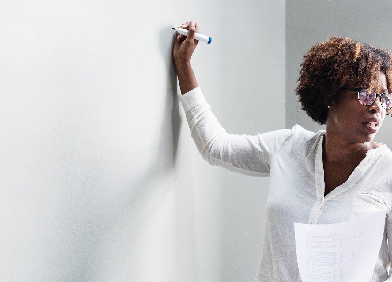 UFPA abre vagas para professores com salários até R$ 9,6 mil