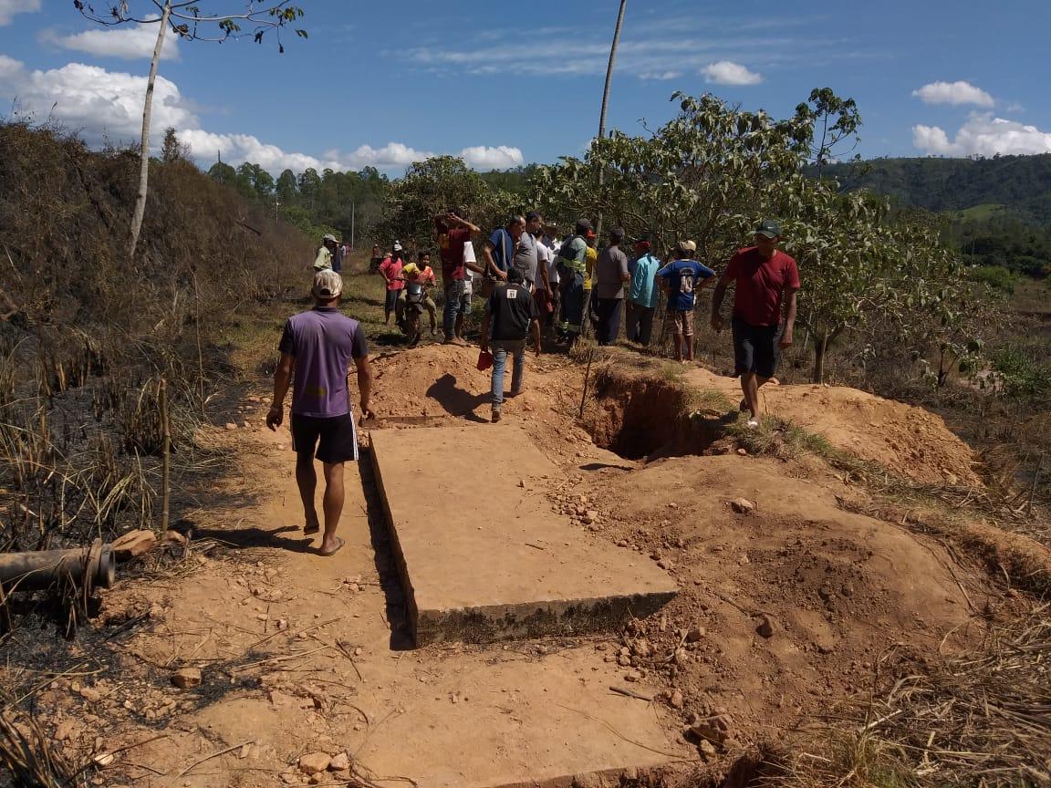 """""""Filão"""" de ouro é monitorado recentemente e garimpeiros cavam e demarcam Serra Pelada"""