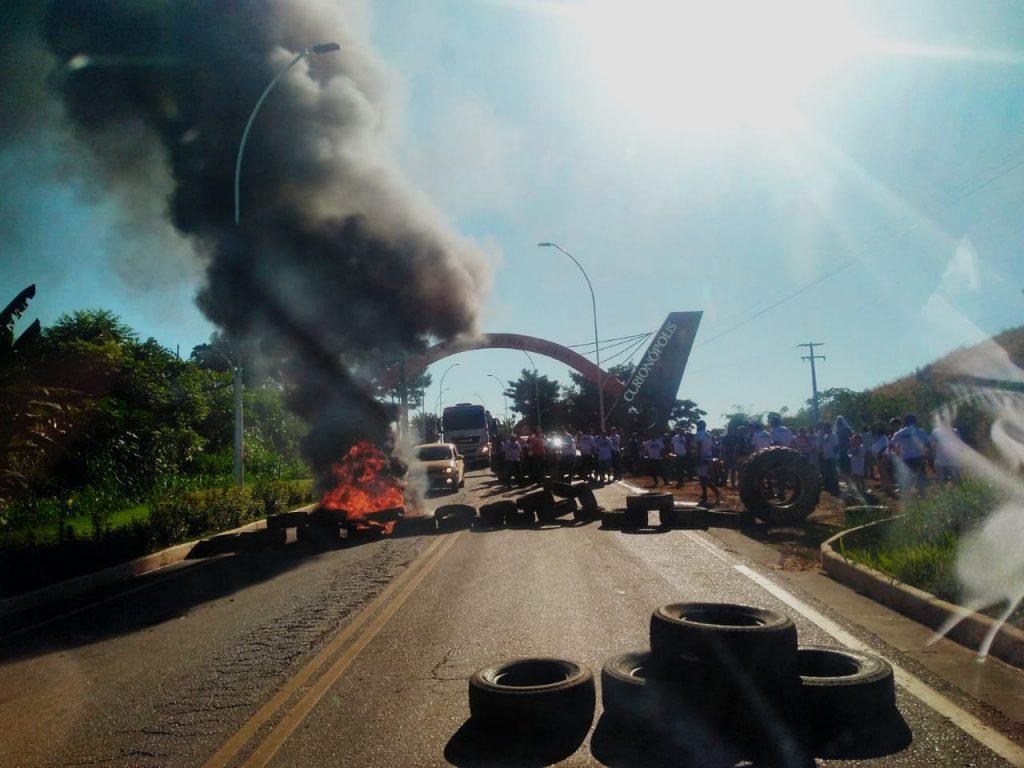 Manifestantes de Curionópolis liberam a PA-275 de duas em duas horas