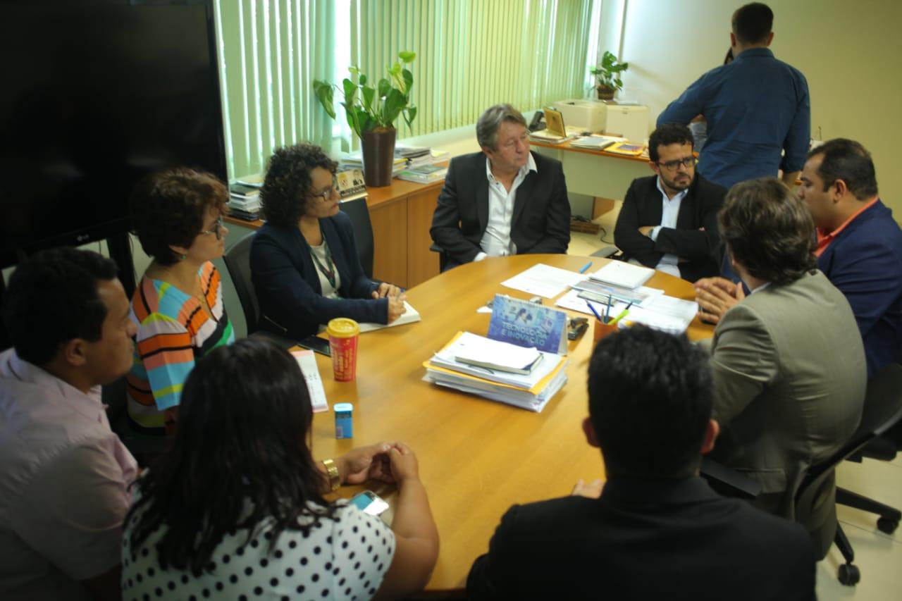 Comissão Pró Projeto Serra Leste é recebida por secretário da Semas