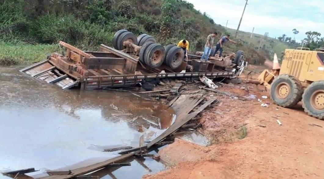 Duas crianças e um adulto morrem em acidente na zona rural de Parauapebas