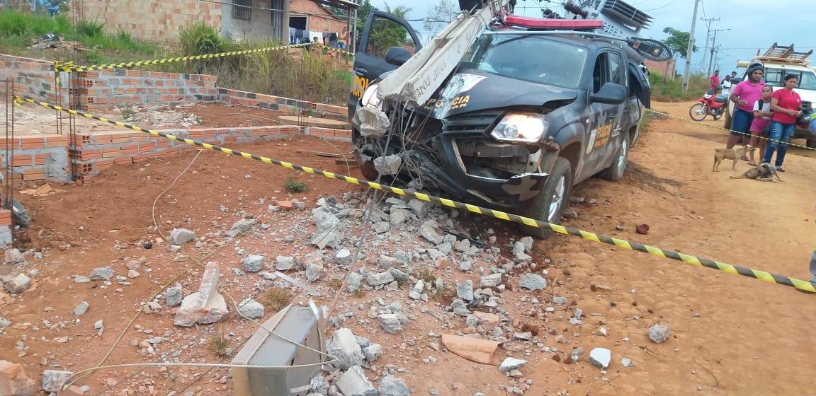 Parauapebas: Na VS-10, viatura colide contra poste e policiais matam suspeito de assalto