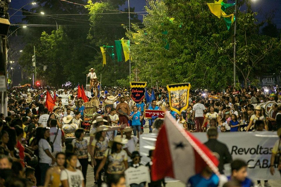 Parauapebenses prestigiam Desfile Cívico do 7 de setembro