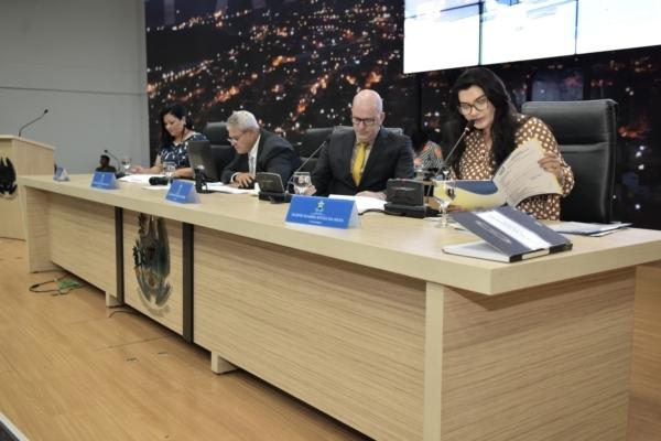 Parlamento aprova concessão de títulos definitivos de terras