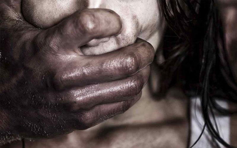 Casal é preso suspeito de estuprar amiga adolescente das próprias filhas