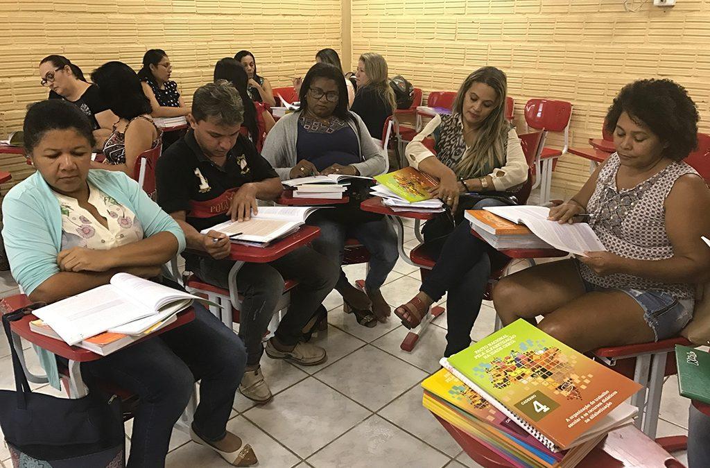 Vereador pede implantação de programa para valorização de professores em Parauapebas