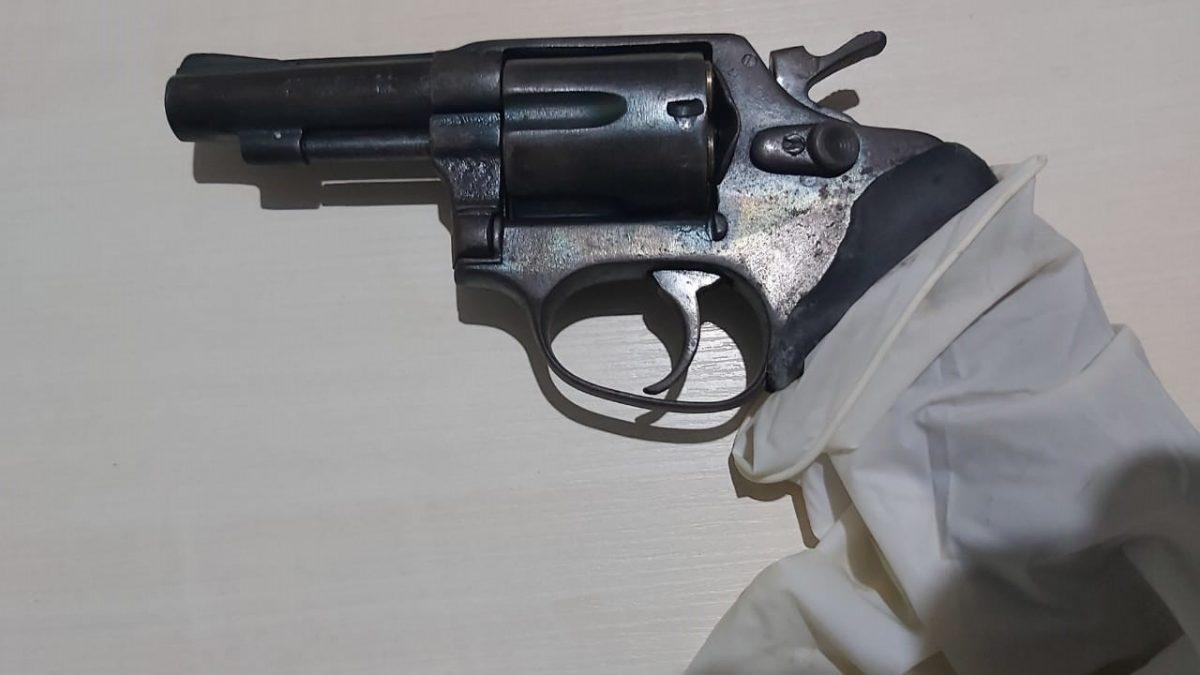 Elemento aponta arma para a polícia e leva a pior em Parauapebas