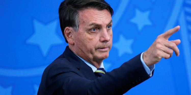 Bolsonaro critica governadores por descumprirem decreto para serviços essenciais