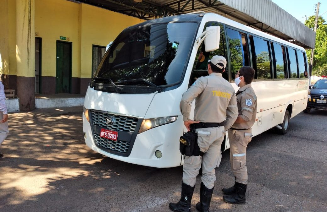 DMTT inicia campanha contra atividade ilegal de táxi lotação em Parauapebas