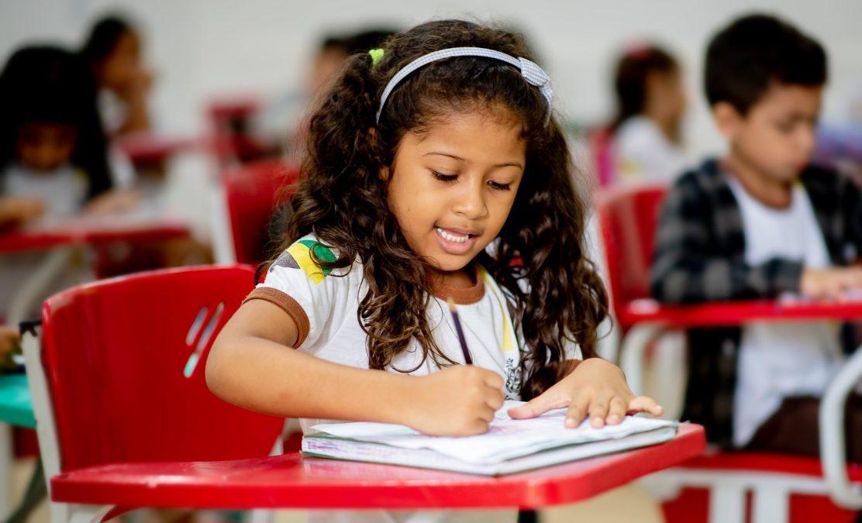 Parauapebas adota oficialmente aulas on-line para a rede municipal de ensino