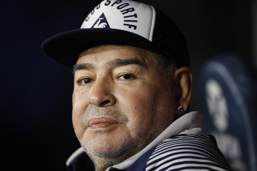 Diego Maradona morre na Argentina e País perde um dos maiores ídolos
