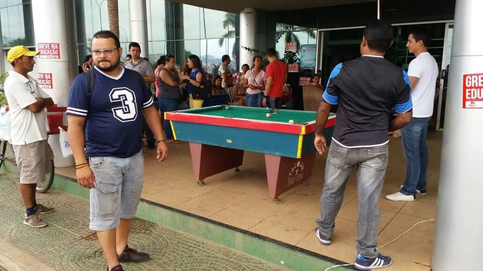 Alunos da rede municipal de ensino em Parauapebas começam retorno as aulas, mas alguns grevistas ainda descumprem ordem da justiça
