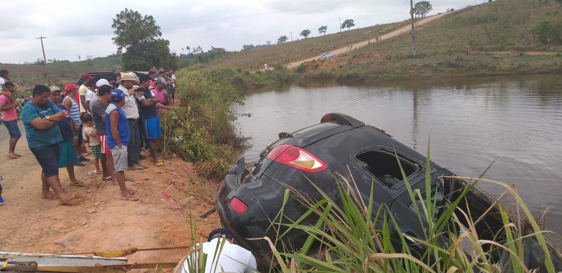 Acidente na estrada de acesso a Vila Sanção mata dois e um está desaparecido